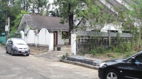 ขายบ้านเดี่ยวเมืองเอก3 บ้านเดี่ยวริมน้ำหมู่บ้านเมืองเอกโครงการ3  156 ตร.วา .ใกล้รถไฟฟ้า ม. รังสิต ใกล้รถไฟฟ้า ขายถูกที่สุดในหมู้บ้าน กู้ได้เกิน